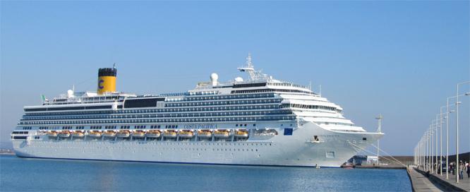 Costa Pazifica - Kreuzfahrtschiff in Katakolon
