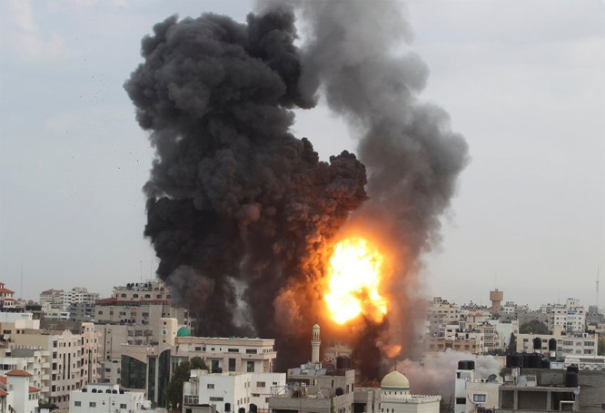 Israel bombardiert den Gaza Streifen