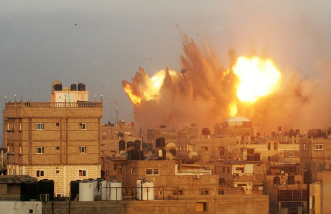 israelische Luftangriffe auf den Gaza-Streifen